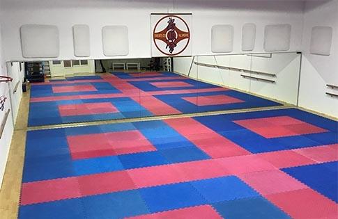 Spiegelwand bij Karate-Do! Almere